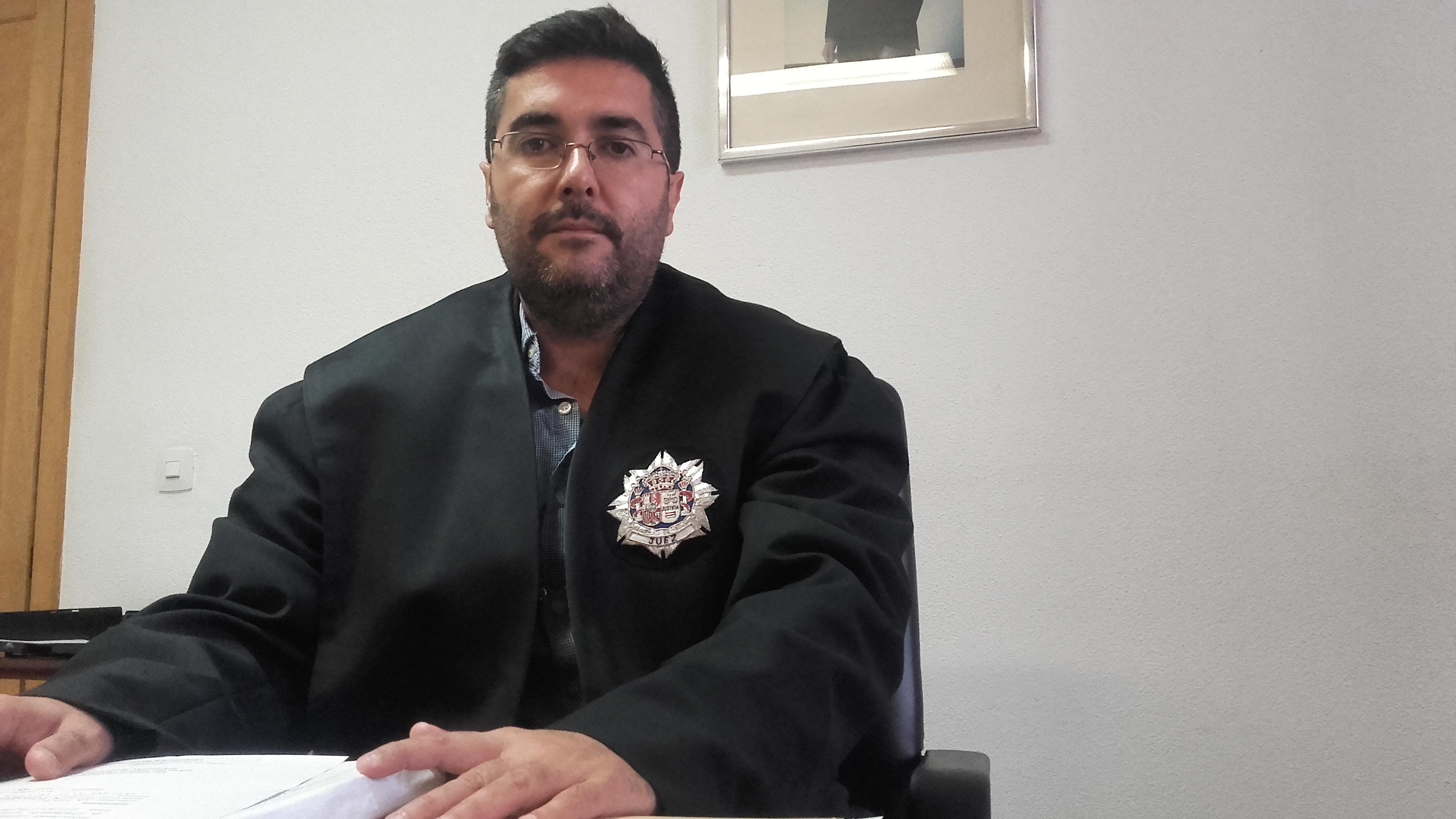 D. Víctor Manuel España Alba