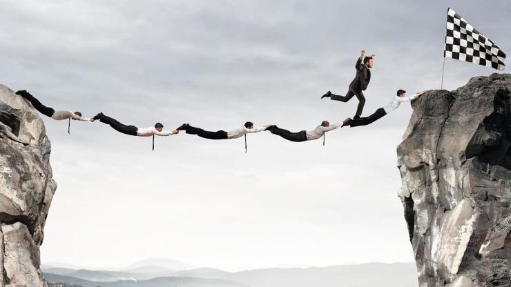 A tu aire: Entender balances para la toma de decisiones por los abogados